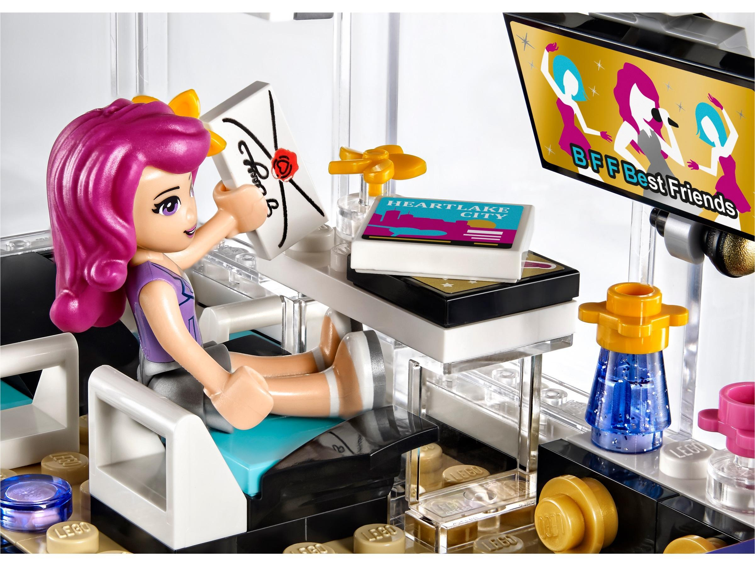 Lego friends 41106 pop star tour bus lego lego friends for Lego friends salon de coiffure